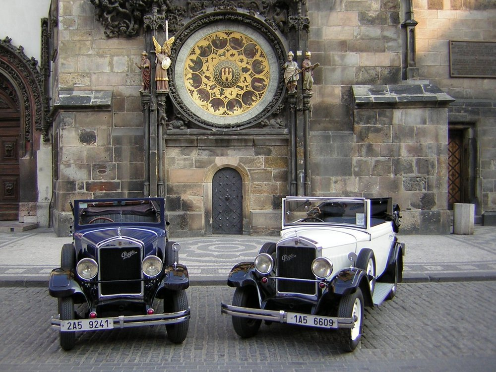 Prague_Old timer-Veteran car of Prague1