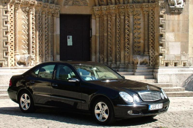 Shuttle trasfer - airport  to hotel or vice versa - one way