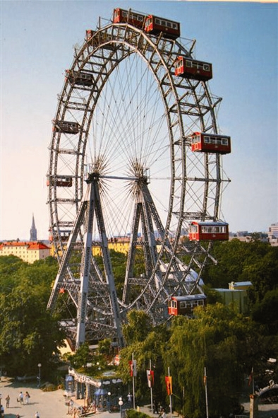 Private Vienna - a day trip by car for 1 - 3 persons