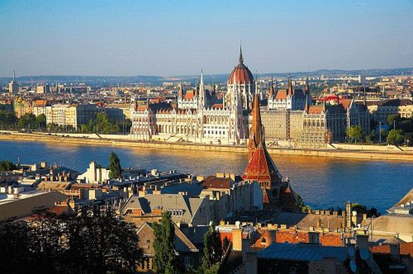 Ideal city tour with optional daytime or evening Danube cruise