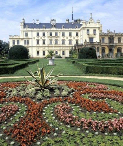 Evening tour to the chateau with dinner - Area of Lednice - Valtice – UNESCO - The gorgeous area on the UNESCO world heritage list